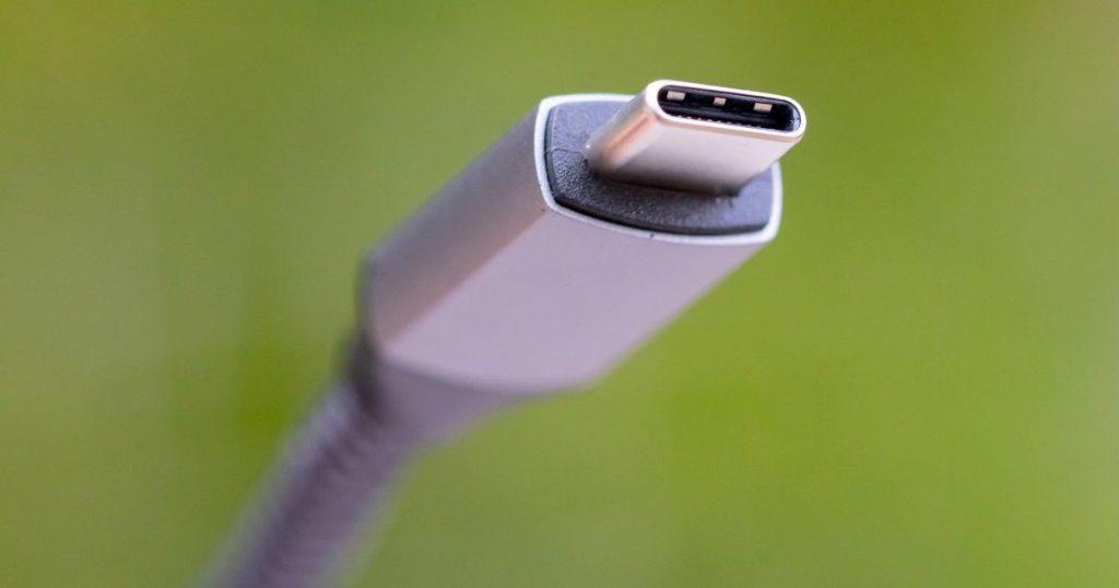 Una actualización de USB-C ofrece una enorme potencia de 240 W para portátiles para juegos y otros dispositivos que consumen mucha energía