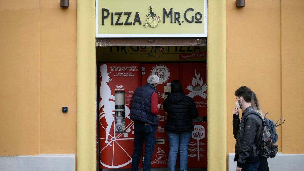 Máquina expendedora automática de pizza Critics en Roma