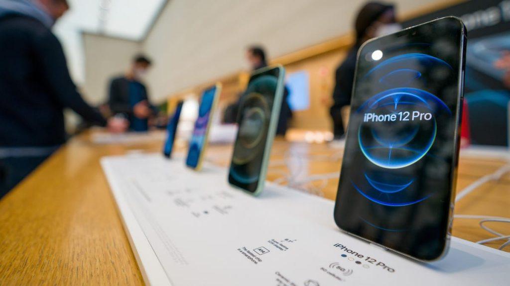 Apple reparará gratis los modelos de iPhone 12 con problemas de receptor